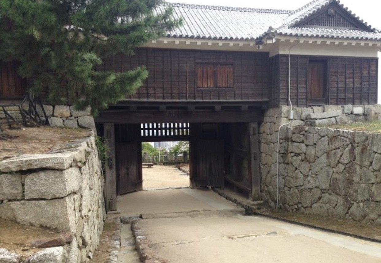 松山城 隠門