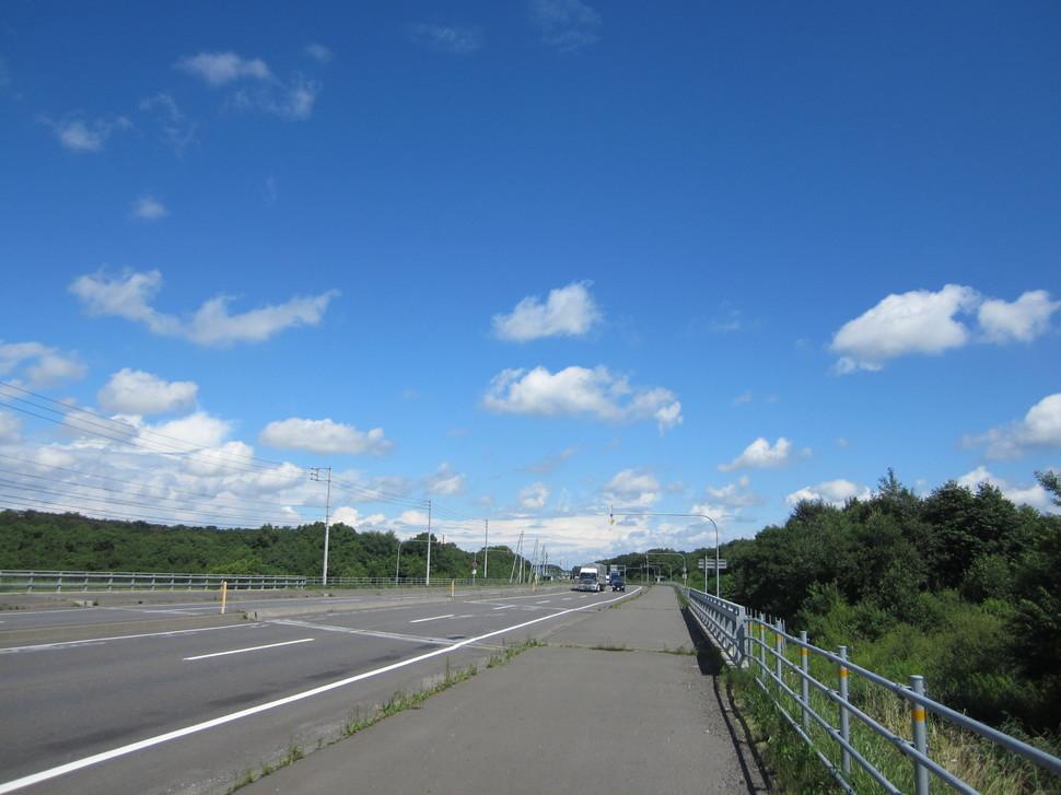 直線 日本 道路 長い 一 29.2kmを直線ドライブ!日本一の直線道路を旅する