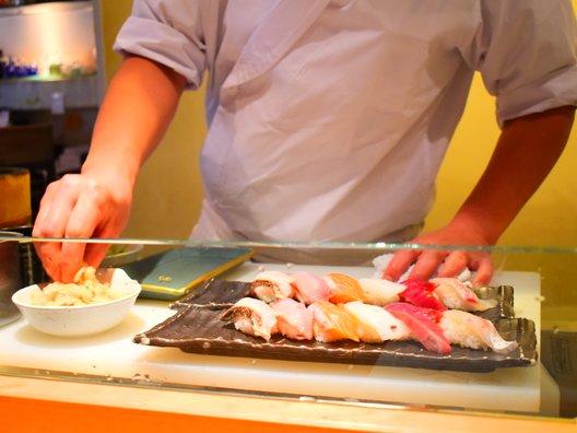 本等鮨 海馬 本店