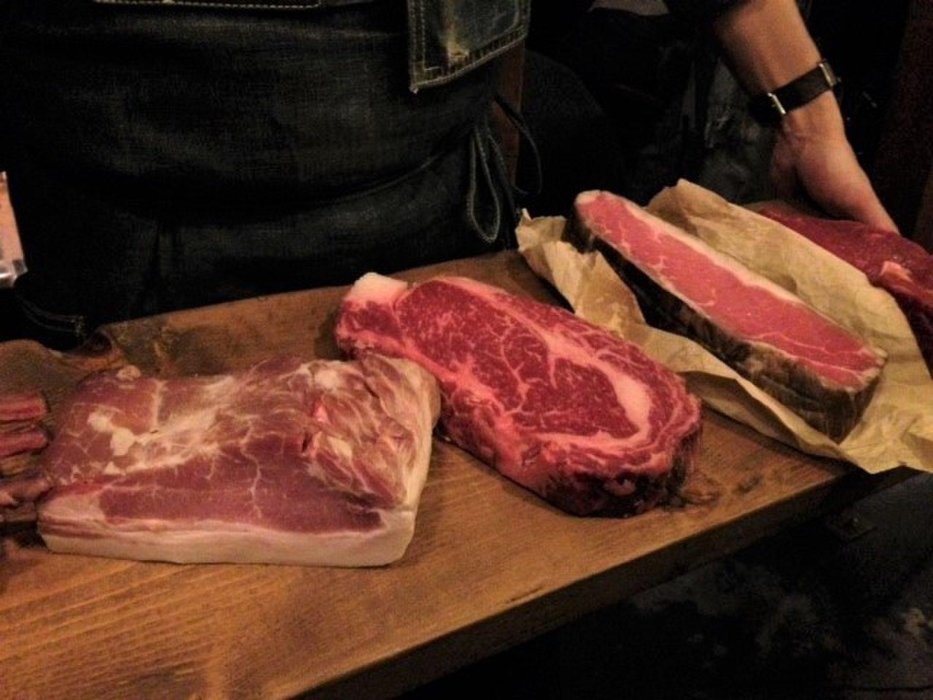 【札幌】オシャレに肉女子会・グループ飲みができるお店2選~今夜はお肉で乾杯~