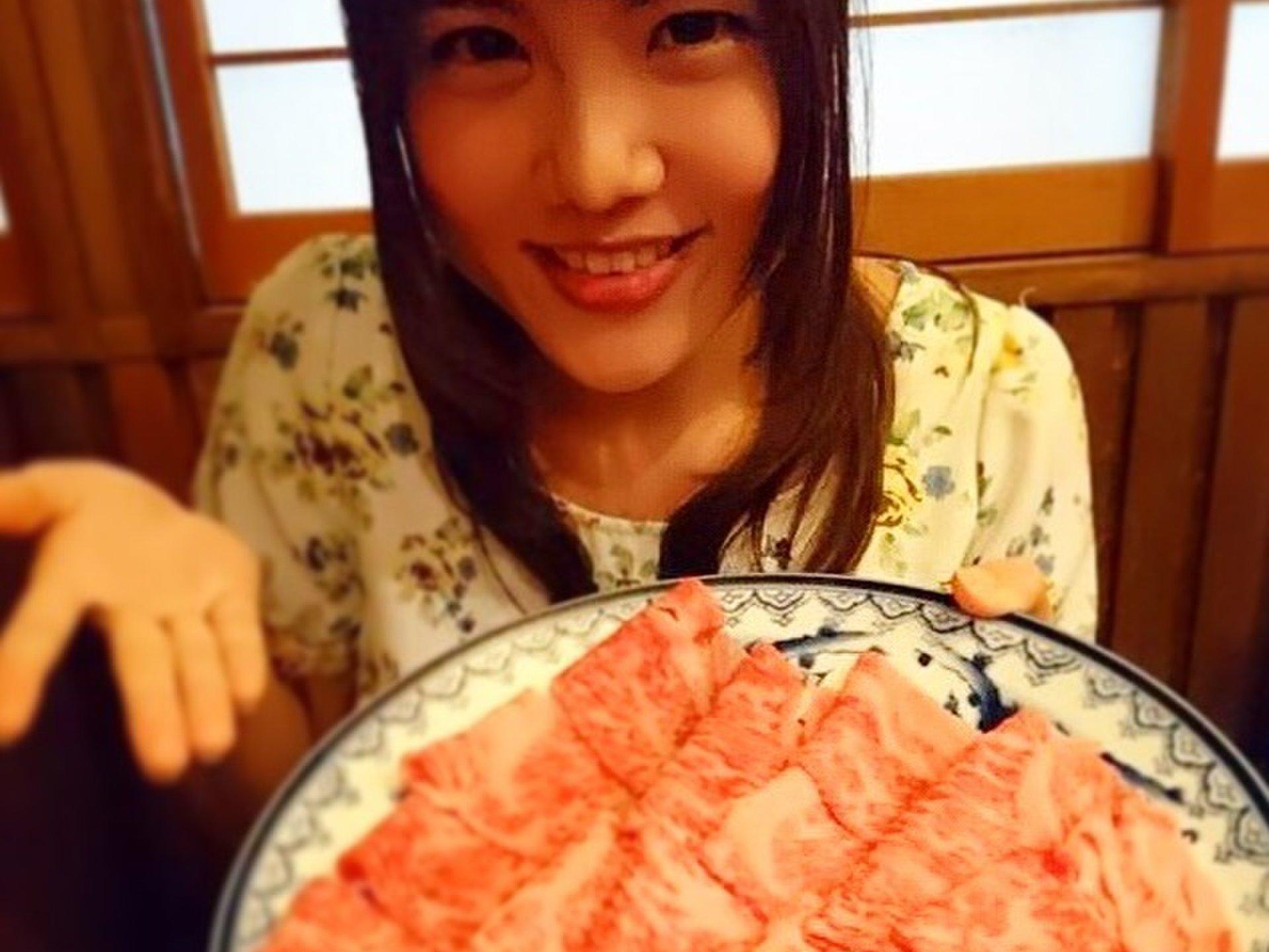 高級肉なのに安い!新宿「伊吹」で絶品すき焼きをいただく♡