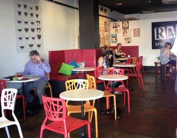 ケアンズ❤︎るるぶ掲載【bang&grind】お洒落‼︎注目カフェのバリ美味い珈琲が飲めるカフェ