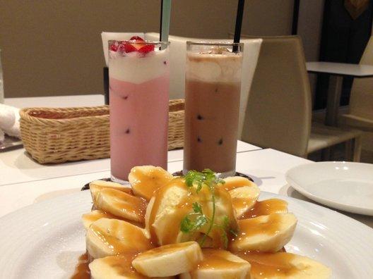 Cafeボローニャ 麹町ゴルフ倶楽部店