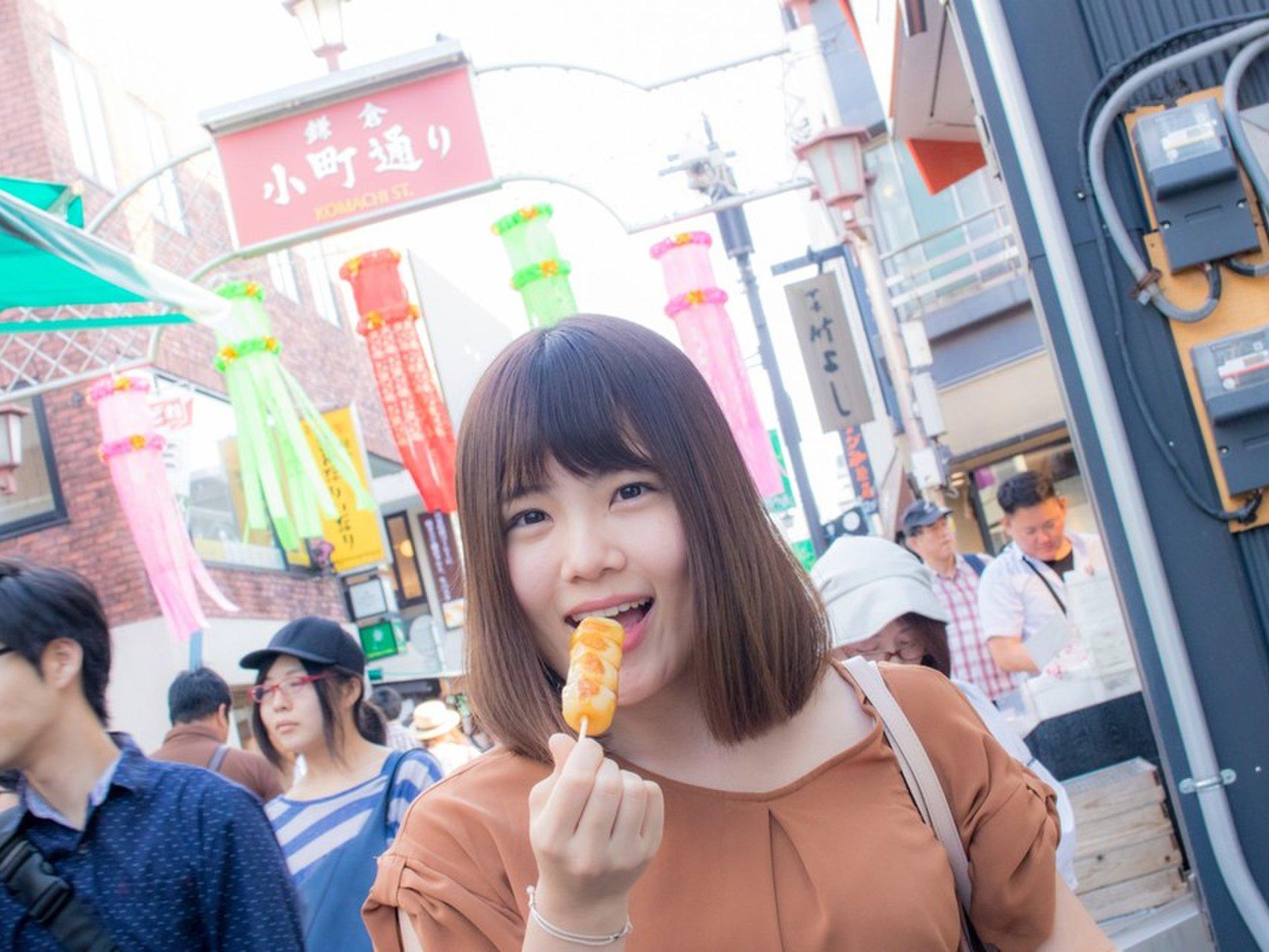 지도 손에 여자 여행하고 싶은 ♡ 가마쿠라 역 주변 추천 맛집 및 관광 명소