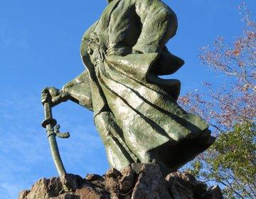 天誅組総裁・吉村虎太郎の生誕地と維新の門がある高知県津野町と梼原町へ。