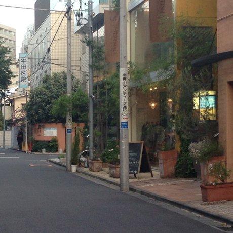 骨董通り(アンティーク通り)