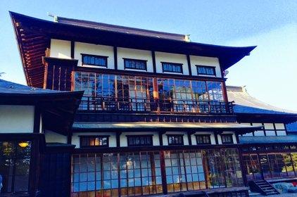 上杉記念館(旧上杉伯爵邸)