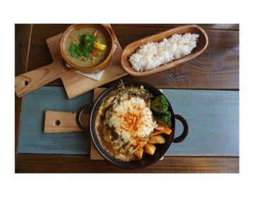 おしゃれなコンテナ豆電球カフェ 愛知県春日井市 高蔵寺駅から車で3分