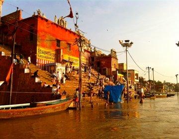 インドのバラナシをバックバック!おすすめスポット&宿やガンジス川の楽しみ方をご紹介♪