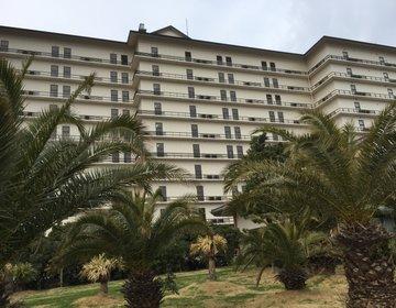 冬でも泳げる温泉プールがあります。 ホテル三日月で一泊プラン!
