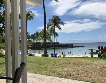 ハワイ島のラグジュアリーリゾートマウナラニのオーラが見える洞窟&海沿いランチプラン