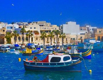 【日曜日のマルタをエンジョイ】マルタ会談で有名なマルサシュロックで市場と新鮮なシーフード料理を楽しむ