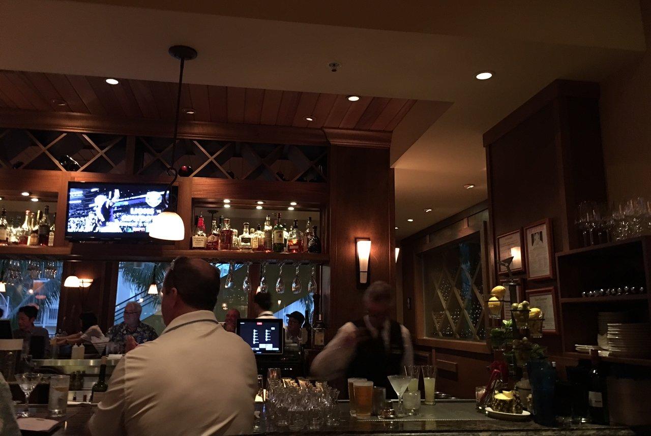 Ruth's Chris Steak House Waikiki - Oahu (ルースズ・クリス・ステーキハウス)