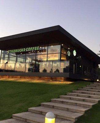 スターバックスコーヒー 富山環水公園店