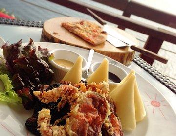 【江ノ島満喫ドライブデート】江ノ島グルメ食べ歩き&海を見渡せる頂上のレストランで絶品しらすピザランチ