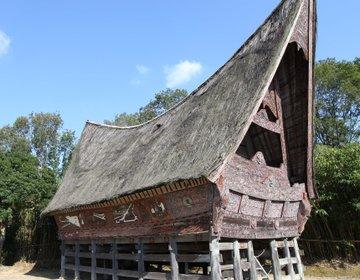 野外民族博物館リトルワールドで、日本にいながら世界一周旅行! ラクダ、ワニ、ピラルクの肉を食べる