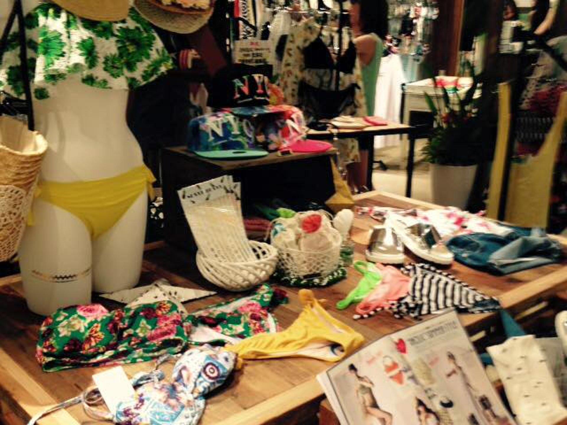 【渋谷109】オルチャンファッションでおなじみ「DHOLIC」が期間限定でオープン!