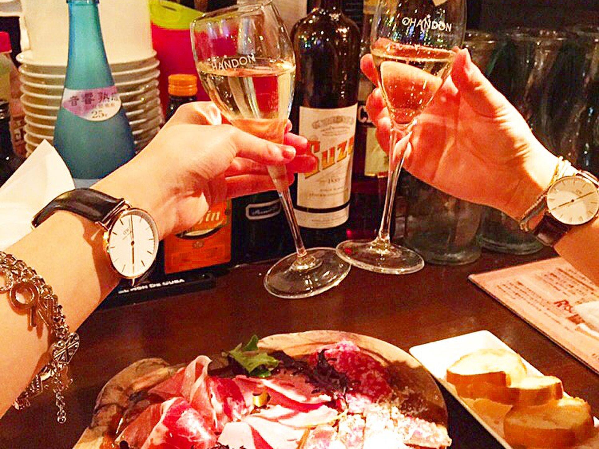 渋谷で夜カフェ!女子会やデートに使えてお酒が飲めるおしゃれ店10選