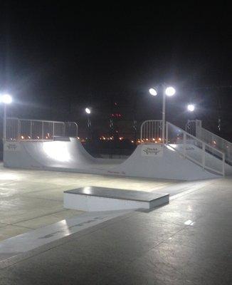 H.L.N.A スケートパーク