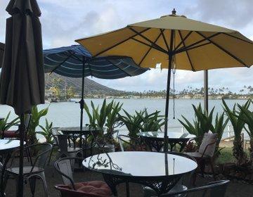 ハワイ旅行 海が見えるお洒落カフェで朝食を。ハワイカイのアイランドブリューコーヒーハウス
