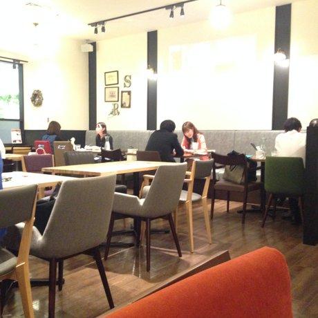 猿カフェ 新宿マルイ本館店