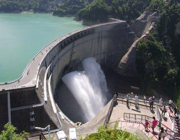 【富山 立山黒部を観光】アルペンルートを歩いて、日本一の黒部ダムを見る! 乗り物三昧&ダムカレー!
