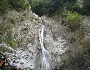 【豊かな自然と上品なまち神戸】週末はマイナスイオンを感じる布引の滝と異国情緒が溢れている異人館通りへ
