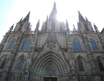 歴史あふれる街『バルセロナ』アントニ・ガウディの有名な作品の建築物3選!<スペイン・バルセロナ観光>