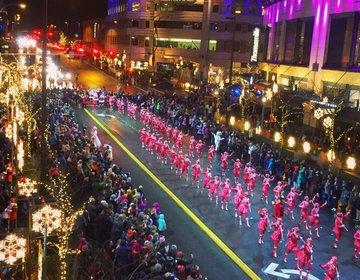 【クリスマス直前必見デート】アメリカの本格クリスマスパレード+イルミネーションで素敵なクリスマスを♪