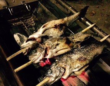 【早戸川&相模湖】船でしかいけない「みの石滝キャンプ場」で、にじますの炭火BBQを贅沢に味わいつくす