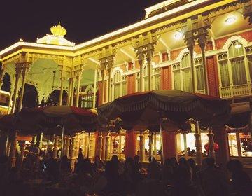 ディズニーランドのお洒落なロマンティックカフェ。ミッキーのマフィンが人気!