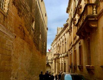 【古都巡りと巨大ケーキ】マルタで絶対に行きたいイムディーナ半日観光ツアー