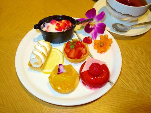 Lounge Momiji(ラウンジ もみじ)
