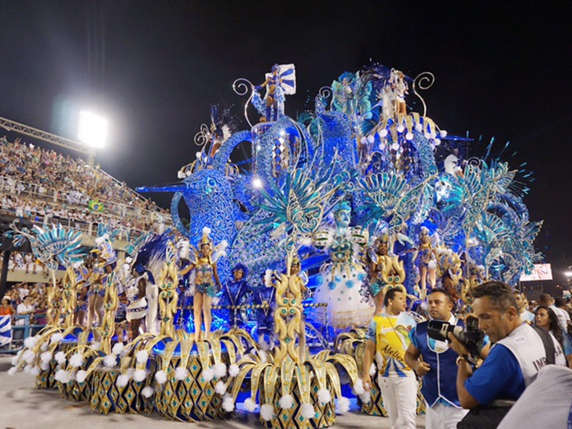 世界最大『リオのカーニバル』の盛り上がりは世界一